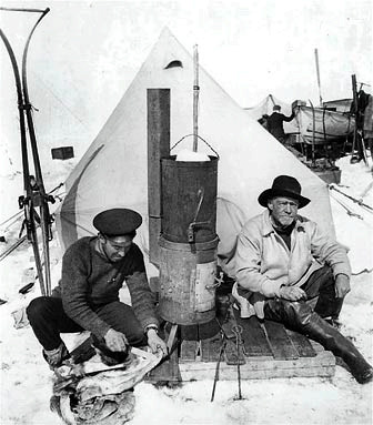 Hurley and shackleton at camp 1915